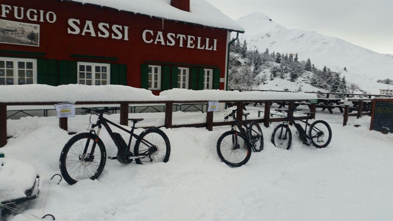 Weekend sulla neve con e bike ai piani di artavaggio for Piani di fattoria d epoca