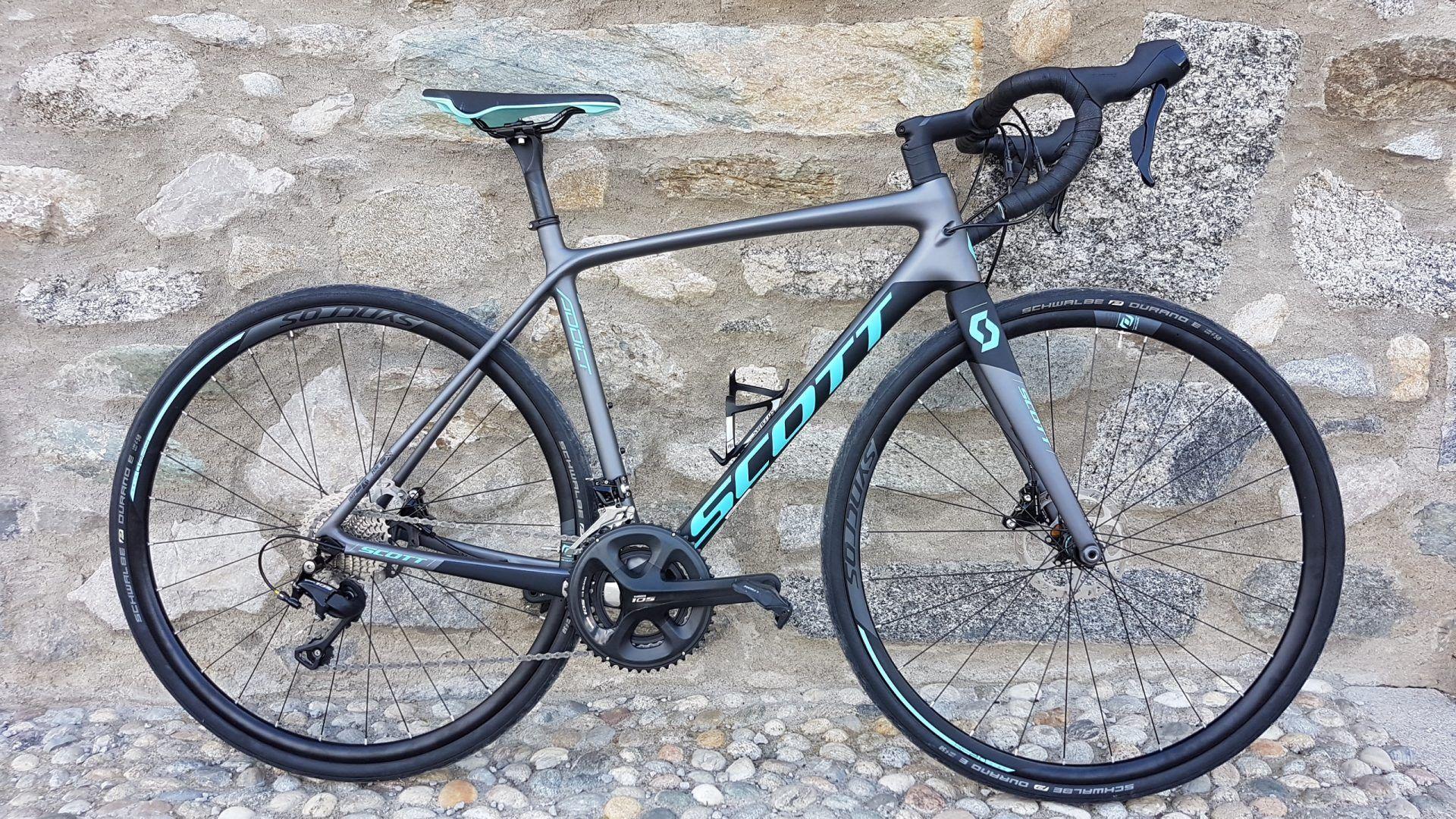 In Bici Da Corsa Con Scott Contessa Addict Bike Habits