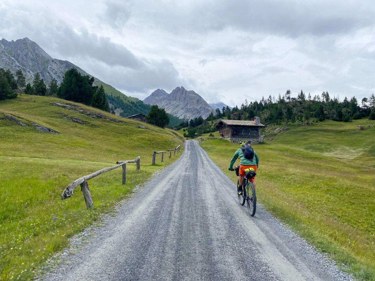 giro della Valtellina in bikepacking