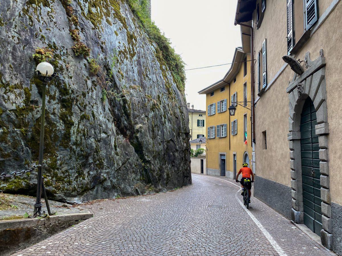 giro della Valtellina in bikepacking ciclabile della Valchiavenna