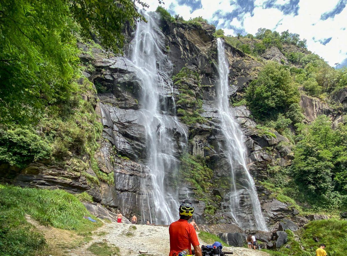 cascate acquafraggia - giro della Valtellina in bikepacking