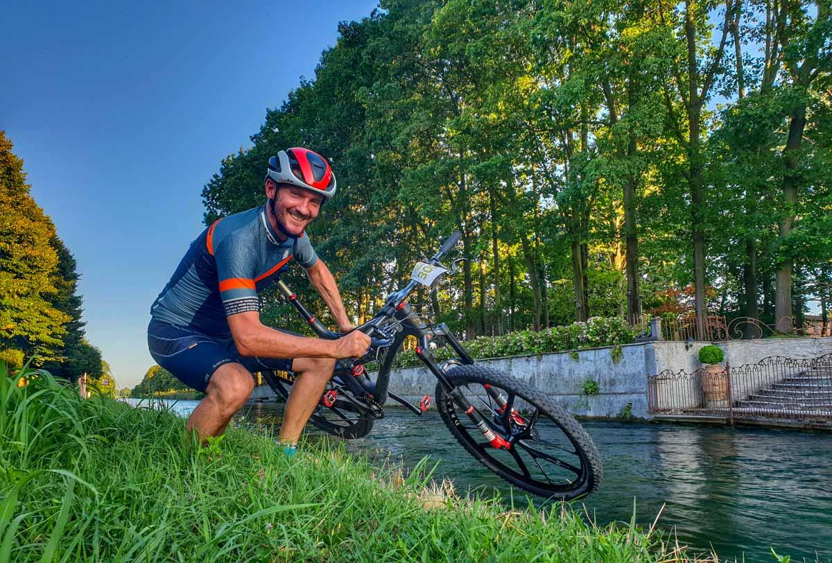 sul Naviglio Grande in bici